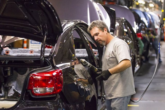 Economía/Motor.- Trump insta a General Motors a trasladar sus fábricas de China a Estados Unidos