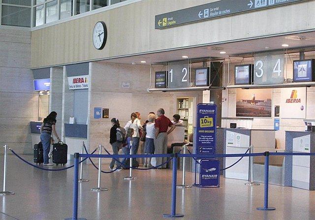 Vista del interior del aeropuerto de Valladolid