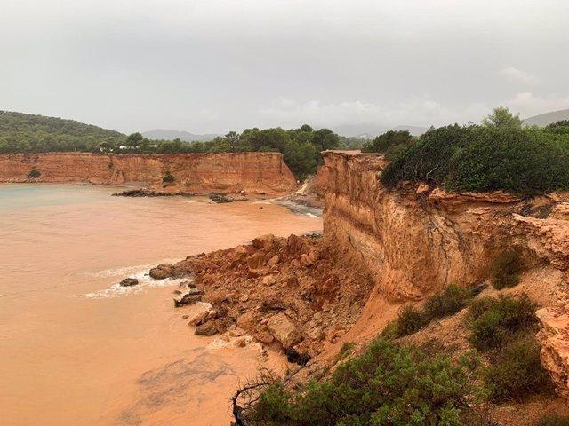 Deslizamientos de tierra en Sant Josep tras las lluvias
