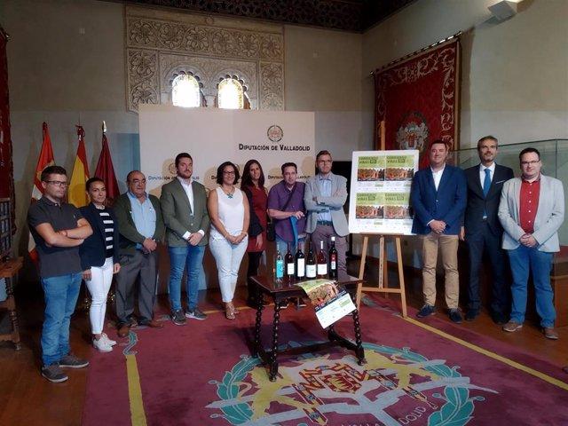 Representantes de las denominaciones de origen y rutas del vino de la provincia de Valladolid presentan la quinta edición del circuito de carreras 'Corriento entre Viñas' en la Diputación.