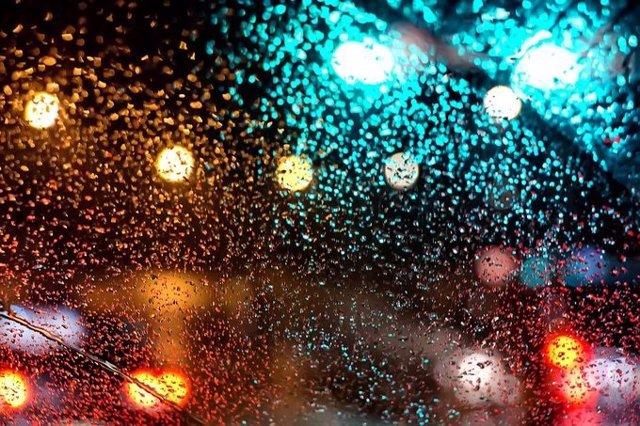 Gobierno murciano baraja suspender las clases en los colegios por el aviso rojo de tormentas y lluvias en la Región
