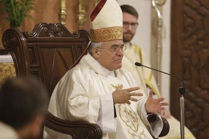 El obispo destaca que 44 hermandades llevarán sus imágenes a la Catedral y 31 lo harán en la Magna Nazarena