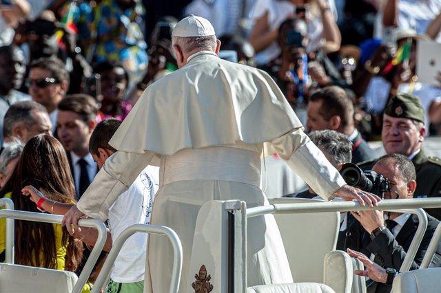 El Papa reunirá en mayo en el Vaticano a expertos y líderes mundiales para habla