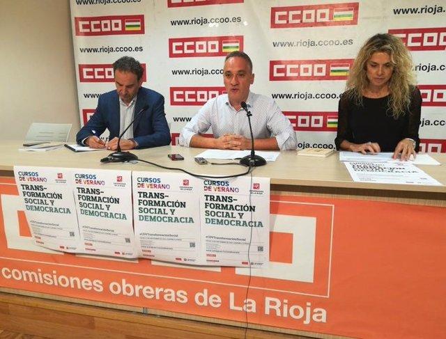 El secretario general de Comisiones Obreras, Jorge Ruano, junto a los ponentes de la jornada Transformación Social y Democracia, Bruno Estrada, y Amparo Merino
