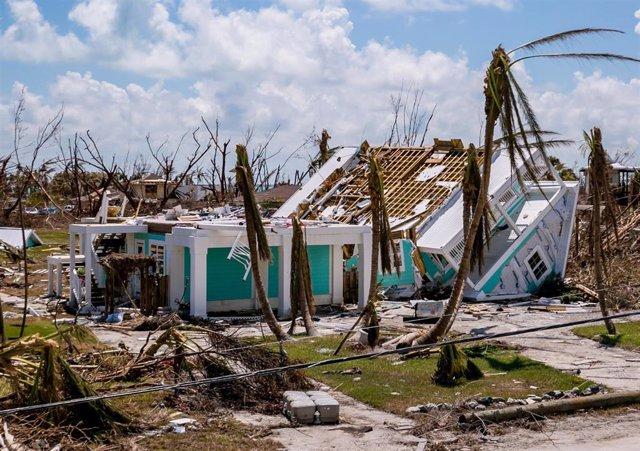 Una zona devastada por el huracán Doiran en Cayo Tesoro, en las islas Bahamas