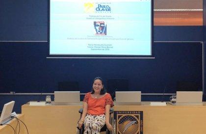 Una estudiante de la Olavide de Sevilla con el 92% de discapacidad reconocida se gradúa en Geografía e Historia