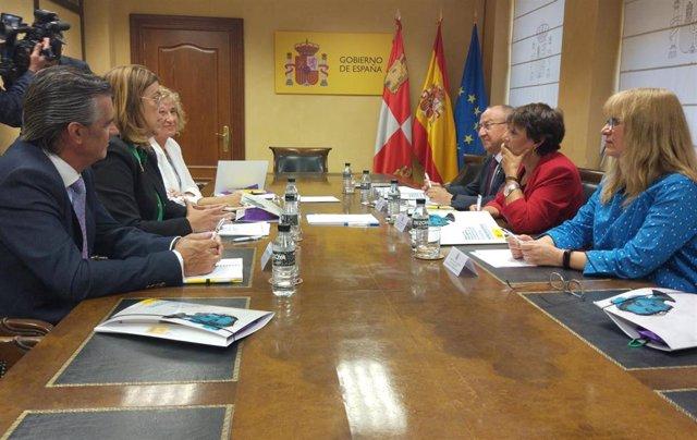 Reunión de la Federación Regional de Municipios y Provincias con la Delegación del Gobierno en torno a la Violencia de Género.