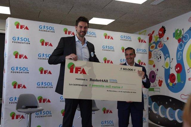 El jugador español Pau Gasol en un acto con la Gasol Foundation