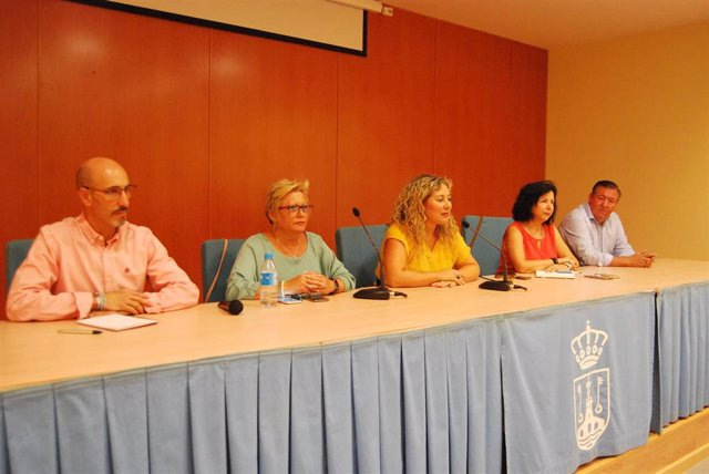 """La delegada de Participación Ciudadana, Rocío Bastida, ha destacado el papel de las asociaciones como """"interlocutores de las necesidades de los vecinos con el Ayuntamiento"""" ."""