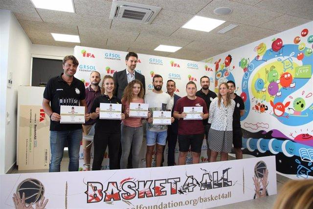 Acto de la Gasol Foundation y Grupo IFA en la campaña 'Basket4All'