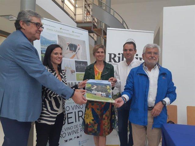 Presentación del ViñoBus do Ribeiro
