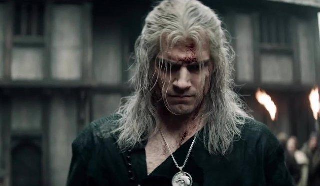 Henry Cavil protagoniza The Witcher en Netflix