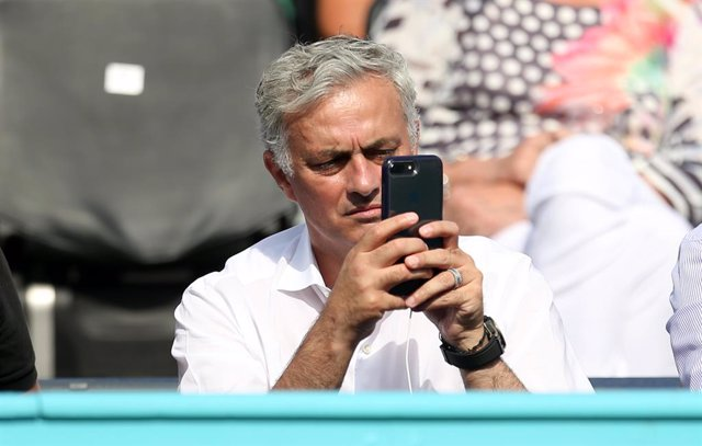 """Fútbol.- Jose Mourinho: """"Los jugadores que más tiempo llevan son los que dan est"""