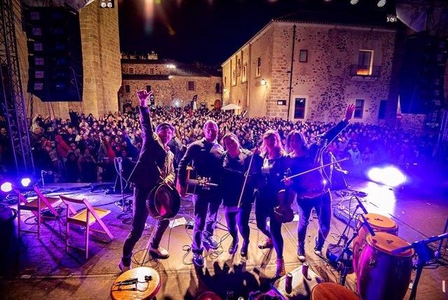 El festival Irish Fleadh se celebra del 25 al 27 de octubre