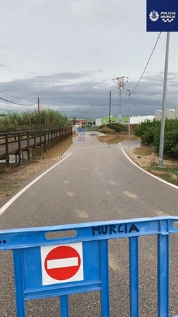 Rambla Del Rincón Del  Gallego, Torreagüera Cortada Al Tráfico Por Temporal