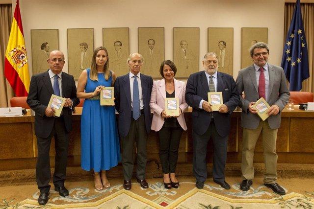 Presentan 'Cuba en el Congreso', centrado en la actividad de las Cortes española