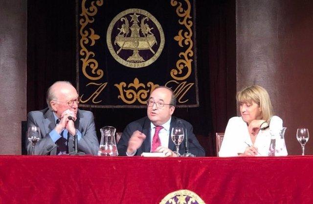 El primer secretari del PSC, Miquel Iceta, durant un acte en l'Ateneu de Madrid