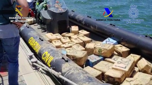 Fardos de hachís interceptados durante la operación 'Rale-Ksiba' desarrollada en la provincia de Huelva