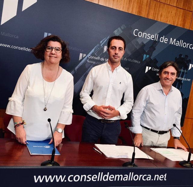 Los consellers del PP en el Consell: Catalina Cirer, Llorenç Galmés y Mauricio Rovira