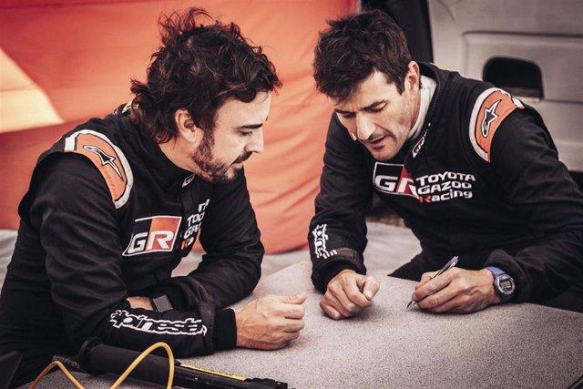 Fernando Alonso y Marc Coma conversan