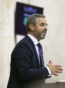 El consejero de Hacienda, Juan Bravo, en una imagen del miércoles en el Pleno del Parlamento de Andalucía.