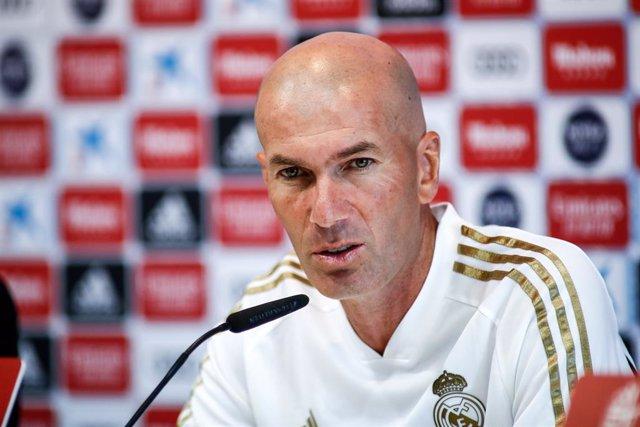 """Fútbol.- Zidane: """"Hazard está preparado, pero hay que ir con calma"""""""