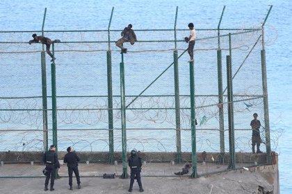 Interior admite a trámite seis de las 148 solicitudes de asilo formuladas tras el último salto de la frontera de Ceuta