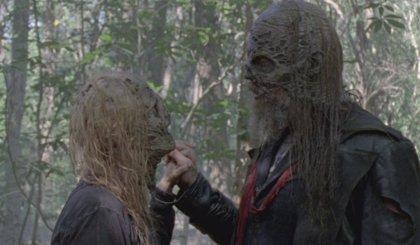 """Los Susurradores avisan en el nuevo teaser de The Walking Dead: """"Es el fin del mundo"""""""