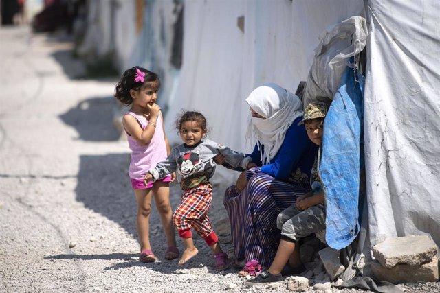 Familia libanesa desplazada
