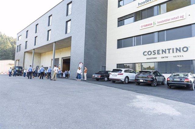 Imagen del nuevo centro logístico y comercial del Grupo Cosentino en la localidad suiza de Zurich.