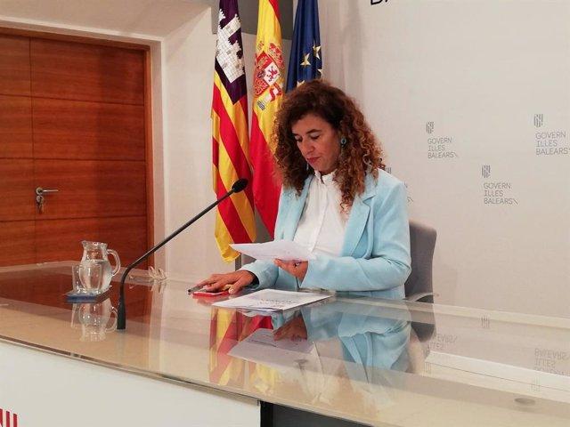 La portavoz del Govern, Pilar Costa, durante la rueda de prensa posterior al Consell de Govern.