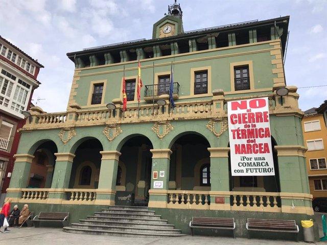 Fachada del Ayuntamiento de Tineo.