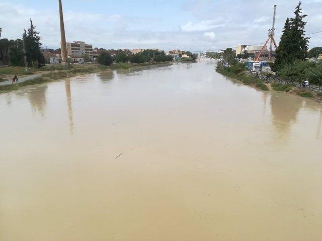 Imagen de la crecida del Rio Segura por Murcia, DANA, TORMENTAS, INNDACIONES