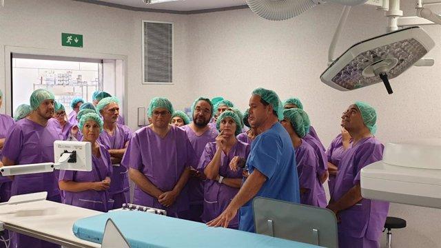 Visita del pte.Quim Torra y la consellera Alba Vergés al bloque quirúrgico de Bellvitge