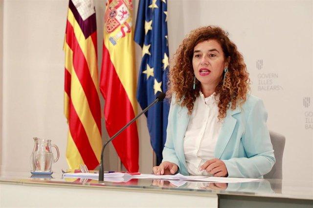 La portavoz del Govern, Pilar Costa, en la rueda de prensa tras el Consell de Govern.