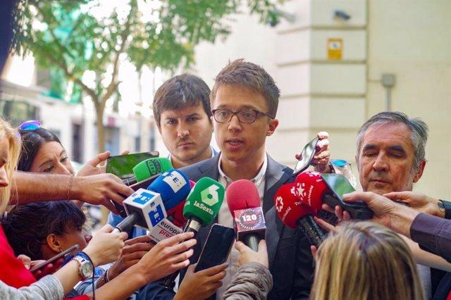 Imagen recurso del portavoz de Más Madrid en la Asamblea de Madrid, íñigoErrejón, acompañado de los diputados Pablo Perpinyà y Eduardo Gutiérrez,