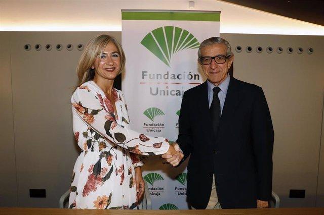 La consejera de Cultura y Patrimonio, Patricia del Pozo, y el presidente de la Fundación Unicaja, Braulio Medel.