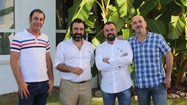 Emprendedores que han creado una aplicación para mejorar la seguridad y transparencia alimentaria.