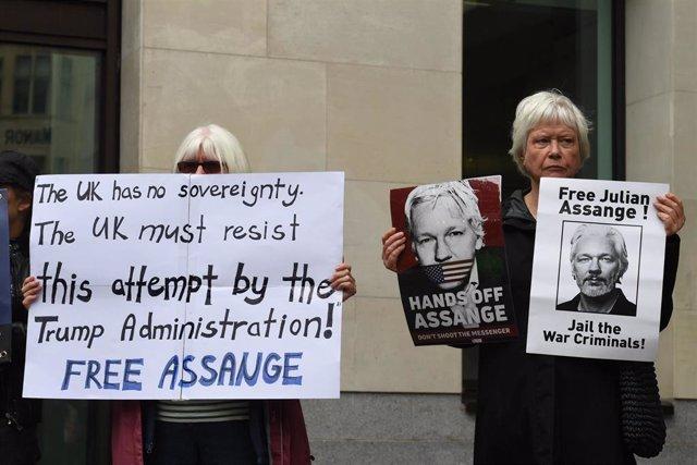 Manifestación de apoyo a Julian Assange