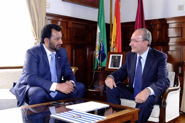 Jeque Al-Thani, presidente del Málaga CF, y el alcalde De la Torre