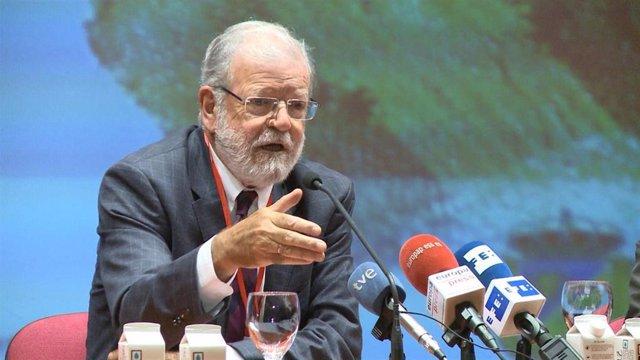 El ex presidente extremeño Juan Carlos Rodríguez Ibarra durante una conferencia