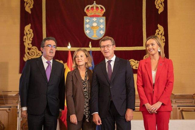 El titular del Gobierno gallego preside la firma de un convenio con la Fundación Amancio Ortega