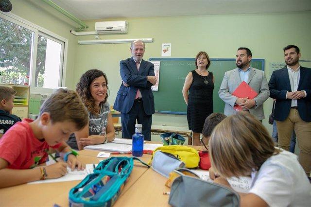 Nota Prensa Diputación Sevilla/Visita Colegios Obras Climatización