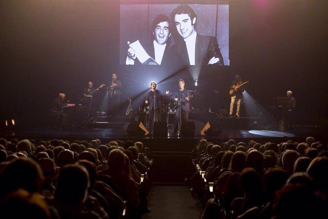 El Dúo Dinámico en una actuación en el Teatro Cervantes de Málaga capital