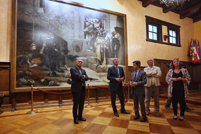 El alcalde de Zaragoza, Jorge Azcón, visita el Ayuntamiento de Huesca y se reune con su alcalde, Luis Felipe
