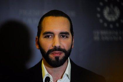 El Salvador.- Bukele sube el salario a partir de enero a policías y militares en El Salvador