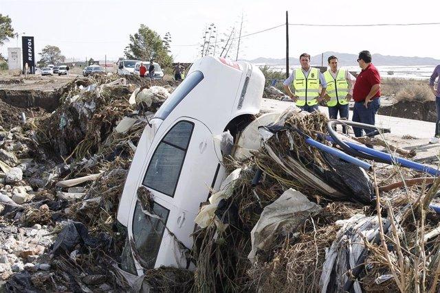 Una de las carreteras afectadas por las lluvias en el municipio de Níjar (Almería).