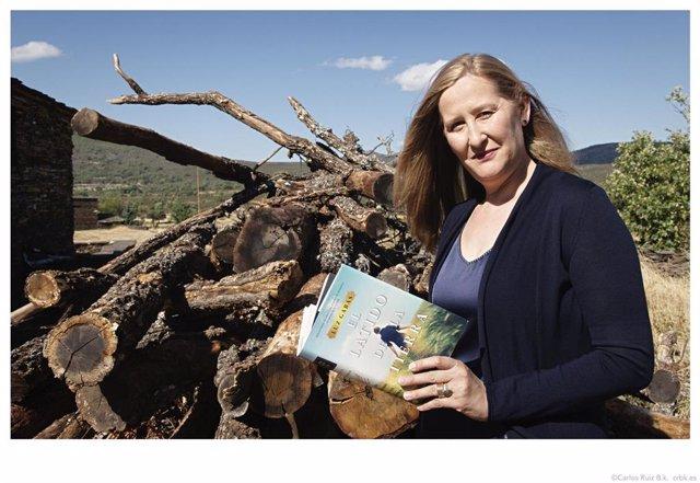 Luz Gabás, autora de 'El latido de la tierra'