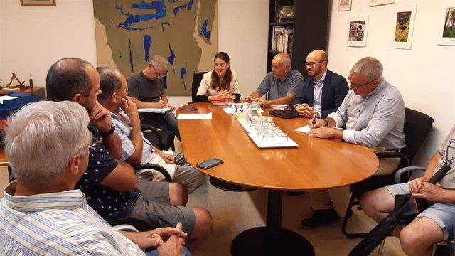 Reunió entre el Consell, l'ajuntament de Maria de la Salut  i els veïns del municipi.