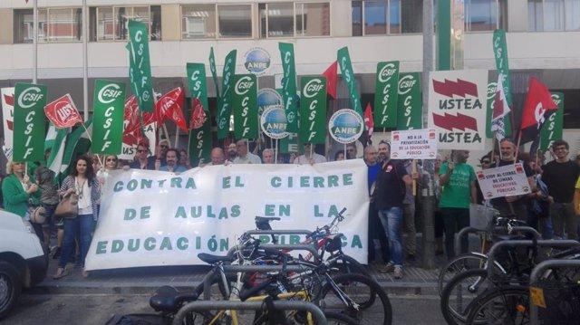 Imagen de archivo de protestas en la educación pública.